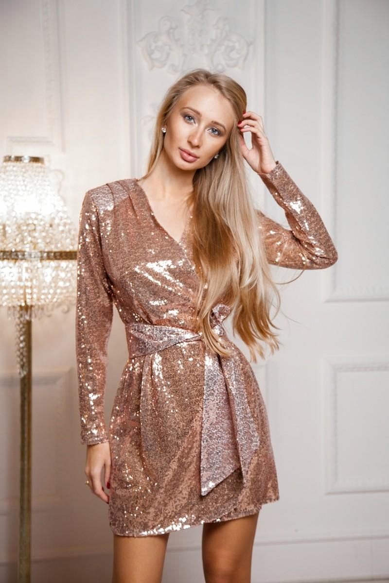 Арт 369 платье Asked ткань пайетка на шѐлковой подкладке , цвета изумруд и розовое золото . Размеры S M .  Цена 3500