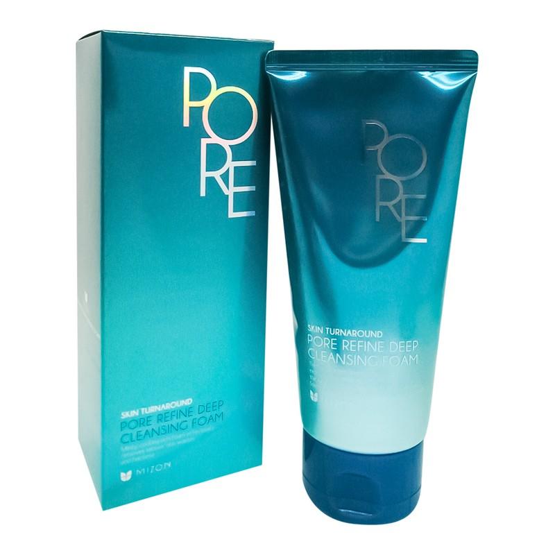 MIZON Pore Refine Deep Cleansing Foam Пенка для умывания жирной кожи. Пенка для умывания жирной, проблемной и пористой кожи глубоко очищает поры кожи от остатков макияжа, загрязнений и кожного себума, сужает расширенные поры и улучшает тонус кожи, выравнивает микро-рельеф, оказывает антибактериальное действие, помогает в лечении акне, угревой сыпи, контролирует работу сальных желез, придает ощущение свежести. Каолин и древесный уголь абсорбируют кожный себум и загрязнения, матируют, выталкивают сальные пробки из пор, уменьшая количество черных точек. Гиалуроновая кислота увлажняет и препятствует обезвоживанию. Экстракт сахарного тростника оказывает противовоспалительное и антибактериальное действие. Экстракт плюща тонизирует и стимулирует сужение пор. Цитрусовые экстракты ускоряют отшелушивание ороговевших клеток кожи, препятствуют закупорке пор и образованию комедонов, улучшают цвет лица и текстуру кожи. Способ применения: нанесите небольшое количество пенки на влажную кожу лица, помассируйте круговыми движениями и смойте теплой водой.