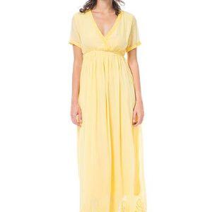 Платье АРТ13-11204. Легкое длинное платье с короткими рукавами и V-образным вырезом. Линия талии слегка завышена. Низ платья украшен широким кружевом. Горловина и низ рукавов отделаны тесьмой