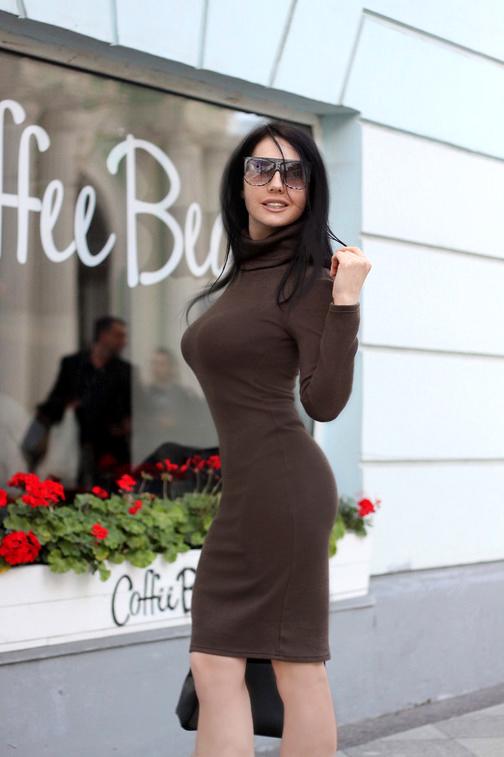 Платье-водолазка Etness (Арт. R40) т.оливковый Размеры: S (42-44), М (44-46), L (46-48) Ткань: плотный вязаный трикотаж Цвет: Тёмно-оливковый