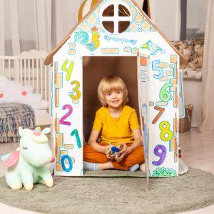 Когда домик собран — он отлично вписывается в интерьер детской комнаты