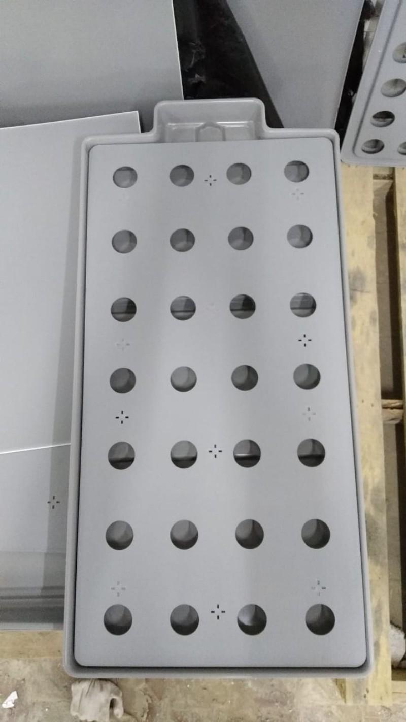 """Крышка на опорах для """"Леруашного"""" поддона 97(104)х49х5 см. Любое количество отверстий."""