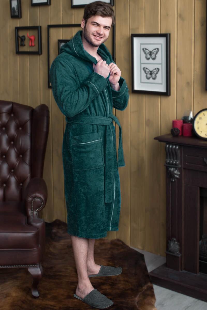 Халат махровый мужской с капюшоном, 100% хлопок. Размерный ряд с 48 по 56 цена 1290 руб. Есть большие размеры с 58 по 70.