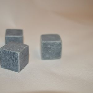 Кубик полированный с фасоками (стеатит)