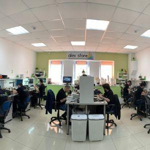 Наши квалифицированные мастера имеют большой опыт в сфере своей деятельности и являются профессионалами своего дела. Они работают на самом современном оборудовании и используют высококачественные материалы.  P.S.: Мы справимся с задачами любой сложности.