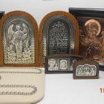 Иконы медные и серебренные, рамка каштан или дуб, размеры и образа разные.