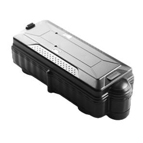 Автономный, водонепроницаемый GPS трекер Kingneed TK-20 с магнитом и встроенной сигнализацией, аккумулятор 20000mAh. Повышенная емкость аккумулятора обеспечивает Kingneed TK20 максимально длительный срок службы. Автономная закладка с мощным магнитом KingNeed является мульти-форматным устройством безопасности и мониторинга. Использует уникальное сочетание GPS, GSM и SD карты памяти. Регистратор данных  Данные могут отправляться по GSM, а могут сохраняться на карте памяти и разделяться по времени и маршрутам. Файлы могут быть загружены на веб-сервер KingNeed, используемого в качестве GPX файл, в стандартном формате данных GPS, которые могут быть воспроизведены с помощью Google Earth или стороннего программного обеспечения. Датчик крепления  Прибор будет автоматически активирован, как только присоединится к металлической поверхности. Также владелец получит немедленное уведомление по SMS когда устройство открепится от металлической поверхности. IPX7 водостойкость  Водонепроницаемый корпус выдерживает 30 минут под водой на глубине до 1 метра.  Краткие характеристики: •GPS + GSM •Радар «Find Me», позволяющий точно отслеживать закладку в закрытых местах •Wi-Fi в помещениях определяет местонахождение с точностью позиции 10-50 метров •Поддержка карты памяти для накопления данных до 32 Гбайт •Не требует установки, просто прикрепите к любой металлической поверхности •AGPS + GSM •Встроенный датчик падения и движения •IPX7 водонепроницаемый корпус с мощными магнитами •Поддержка приложений IOS и Android App •Поддержка карт Google и совместимость с GoogleEarth •Размеры: 153 мм х 58 мм х 45 мм •Вес: 569 г •Диапазон 850/900/1800/1900 МГц •GPS-модуль: U-BLOX G7020-ST •50 каналов GPS-GSM •Внутренняя антенна •Мощный Литий-полимерный аккумулятор •Встроенный датчик вибрации и движения •Точность позиционирования: <5 м •A-GPS: Offline услуги AssistNow