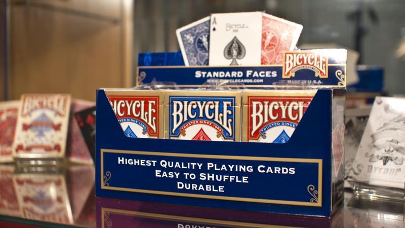 Карты Bicycle Standard. Цена от 191 рубля. Минимальный заказ - 1 блок 3100 рублей