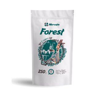 Зерновой кофе Форест (Forest) –прекрасный бленд, состоящий на 50% из высококачественной арабики и на 50% робусты. Зерна кофе собраны на высоте от 800 метров на фермах Бразилии и Вьетнама. Яркая, многогранная, во вкусовом профиле смесь по доступной цене. Форест удивит вас своей свежестью, подарит тишину и спокойствие. Отлично подходит для профессионалов, которые привыкли работать в полном трафике и получать стабильное качество от чашки к чашке.