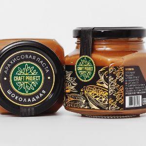 100% натуральный продукт. Кэроб/какао, содержащийся в пасте, обладает стимулирующим эффектом и поднимает эмоциональный фон. Состав: арахис, кэроб/какао, липовый мёд, морская соль. Срок годности: 6 мес. Условия хранения: хранить при температуре от 5 до 20°С. После вскрытия хранить при температуре от 0 до 5°С. Избегать попадания прямых солнечных лучей. Вес 270 гр.