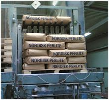 Фильтр-перлит Nordisk - пр-ва Дания. Успешно применяется на предприятиях России в процессах рафинации трудно-отбеливаемых растительных масел и жиров. Отмечаются высокая степень очистки масла от восков, высокая скорость фильтрации, низкая маслоемкость отработанного фильтровального порошка, что актуально  при экспорте в ЕС. Продукция прошла проверку на безопасность и имеет соответствующие разрешения.