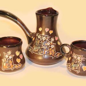 Наборы - турка с чашками, двух размеров, расцветки есть готовые, можно по желанию заказчика