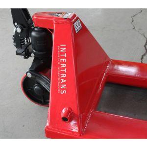 Гидроузел гидравлической тележки Intertrans SGT-2500 предназначен для поднятия грузов весом 2500кг. Все расходники являются легко-заменяемыми