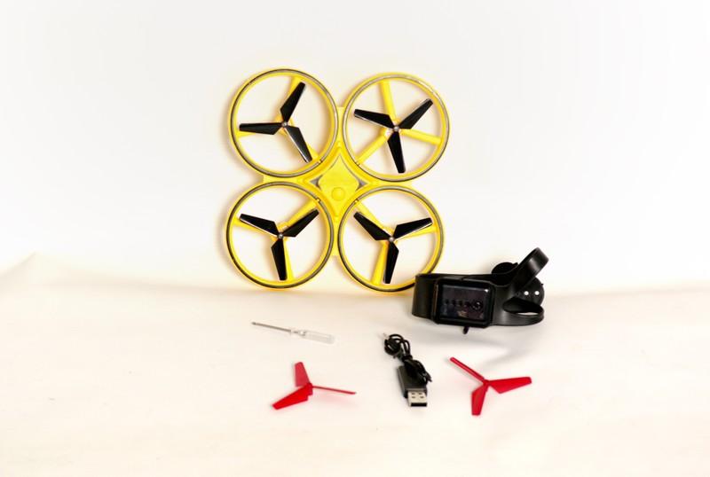 ИНТЕЛЛЕКТУАЛЬНЫЙ ДРОН Квадрокоптер будет двигаться, следуя вашим жестам, легко играть и управлять. Изготовлен из высококачественного материала Гравитационный индукционный полет Длинная выносливость