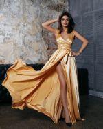 Платье в пол на запахе разных цветов