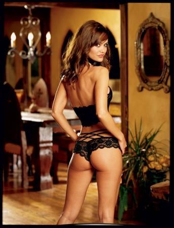 Элегантный комплект . Элегантный комплект нижнего эротического белья из кружевного лифа и шортиков