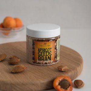 Скраб для лица с абрикосовыми косточками