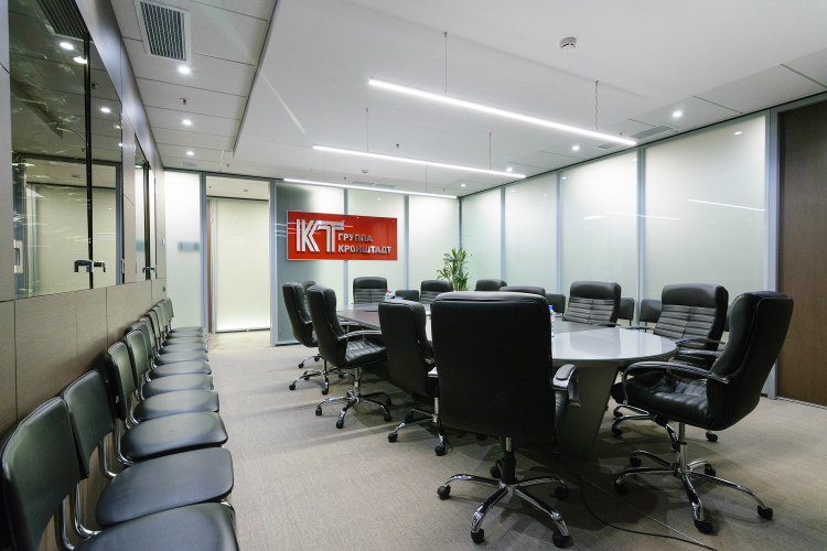 """Лаконичный дизайн для высокотехнологичной компании: NAYADA оформляет офисГК """"Кронштадт"""""""