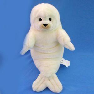 """белек Белёша тюлень. Игрушка из мягкого белого безаллергенного высококачественного материала. Ручная работа. Размер 63см. Описание морского обитателя: """"Белёк"""" - так выглядит детёныш тюленя до 3 недель с момента рождения."""
