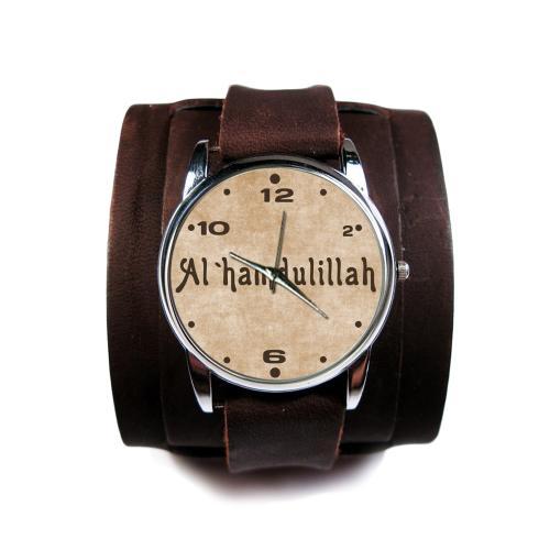Часы наручные на широком ремешке