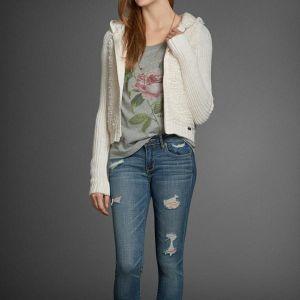 Кофта теплая и джинсы AF. Полную коллекцию можно посмотреть на сайте