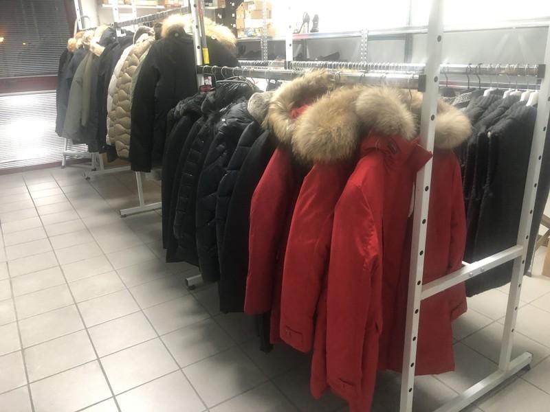 Blauer, Woorlich, North, Harmont&Blain, LaCoste, LiuJo €42,00Цена Единственный лот брендовых курток!!!! всего 200 ед. Натуральный мех,пух. В лоте представлены все размеры. Цена супер выгодна (конец сезона). Известнейшие итальянские бренды,специализирующиеся на производстве верхней одежды. Средняя стоимость модели в ритейле 600 евро!!! Успейте купить всего за 42!!!