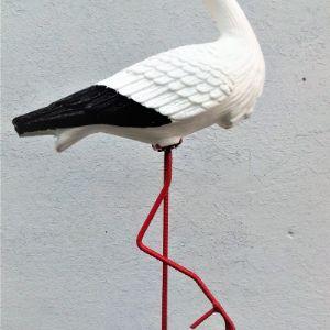 Аист большой пластиковый на металлических ногах Не боится падения, цвет не выгорает цена 800 руб