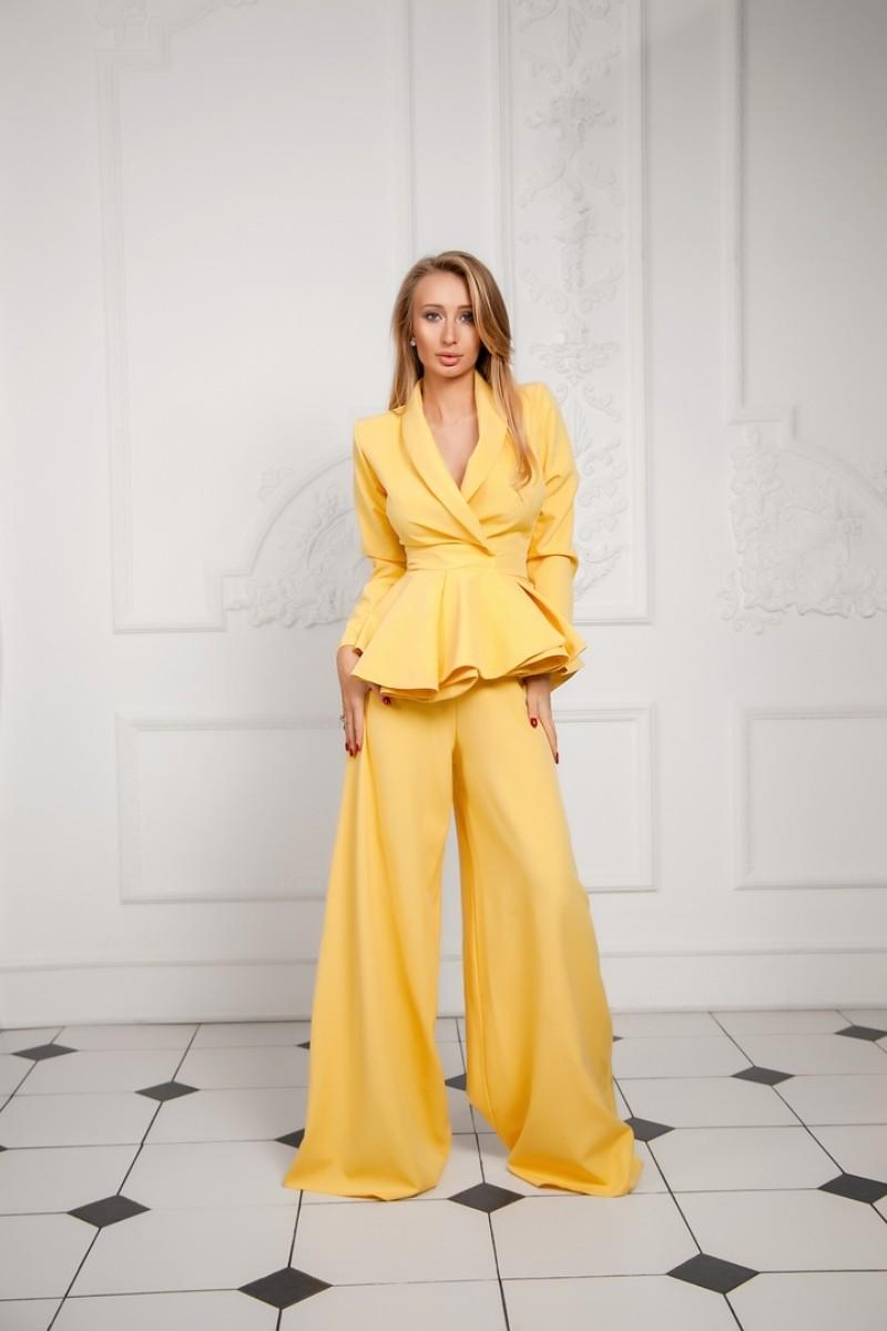Арт 362 Костюм с брюками палаццо Money's, костюмная ткань , цвета желтый , бежевый .Размеры С и М.  Цена 2500
