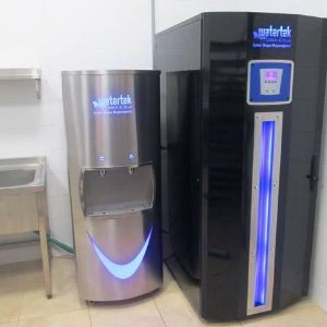 Drinking water treatment systems for factories and big plants. (Our technology is pattened and full automatic.