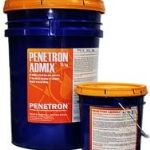 Пенетрон Адмикс (добавка в бетон). Добавка предназначена для повышения показателей водонепроницаемости, морозостойкости и прочности бетона. Применяется на стадии приготовления бетона. Цена: 310 руб/кг, фасовка: ведра по 5, 10 и 25 кг.