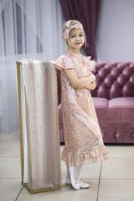Платье из пудровых пайеток