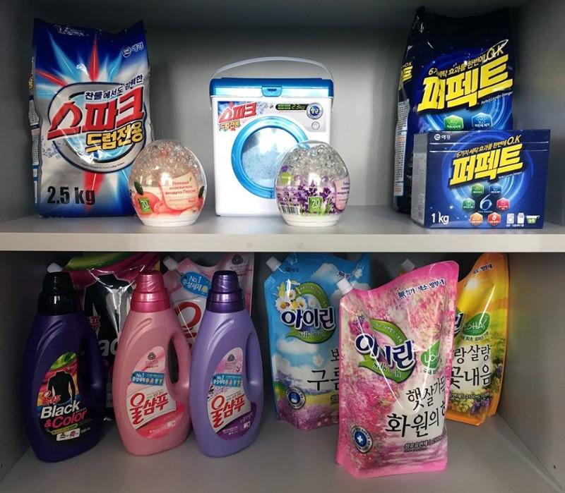 Средства для стирки Корейского производства представлены в бутылках и запасках