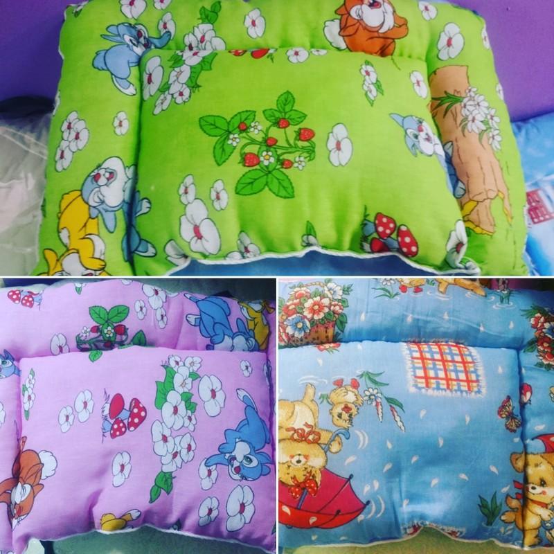 Подушки детские, размер 40х60, ткань цветная бязь, наполнитель холофайбер.