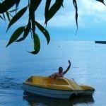 водный велосипеды, лодки, хоккейные корты