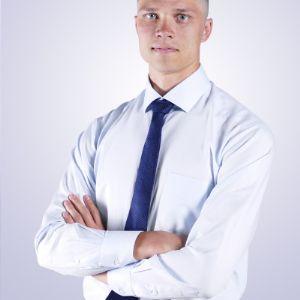 Глеб Николаевич. Руководитель IT отдела. Отвечает за оптимизацию всех процессов в компании