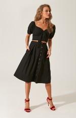 Костюмы с юбками H.I.T. Костюм из 100% хлопка с юбкой на пуговицах и топом с открытыми плечами