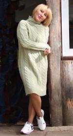 Вязаное платье с косами зеленое яблоко 46-50